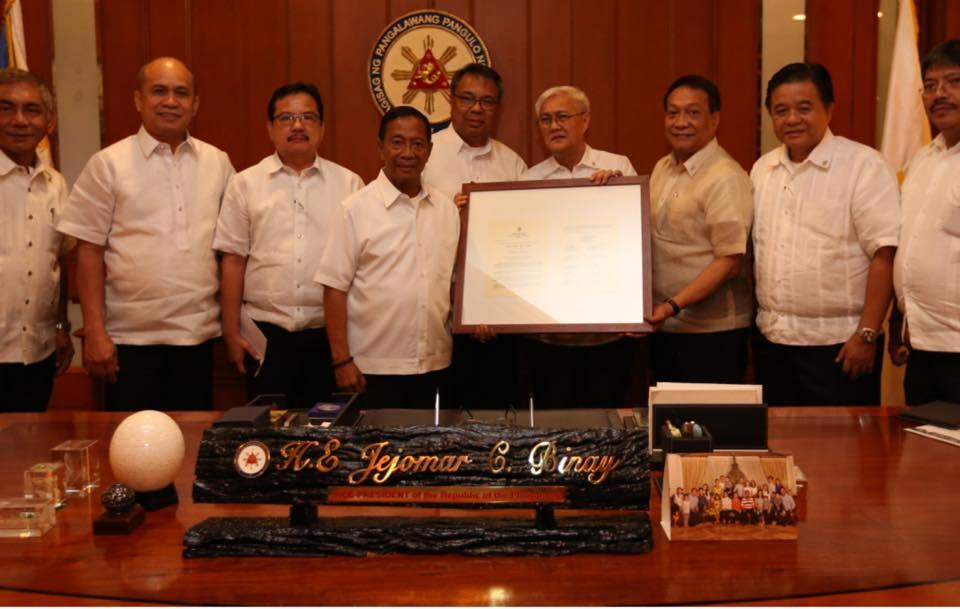 APO Past and present National Presidents present Vice President Binay a plaque of appreciation.